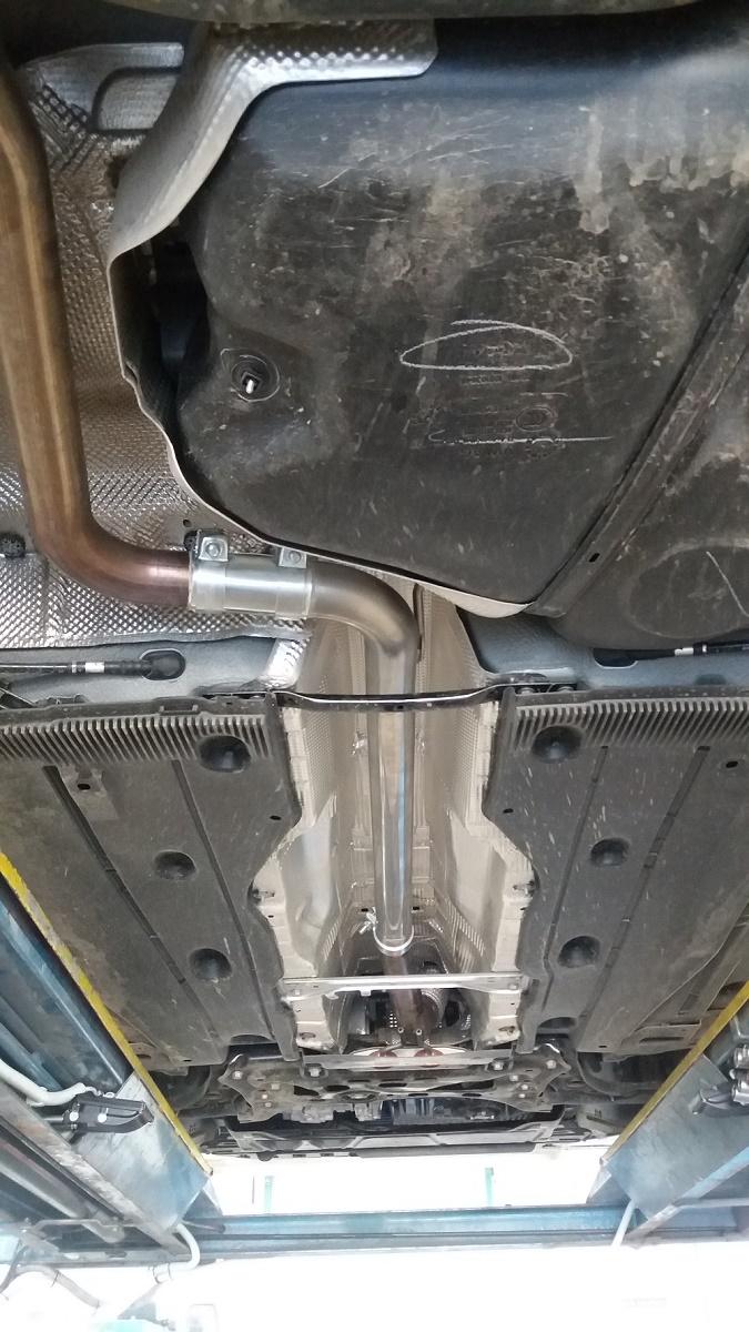 Skoda Octavia 3 RS 169 kW - výměna středního dílu za trubku nerez - 63,5 mm